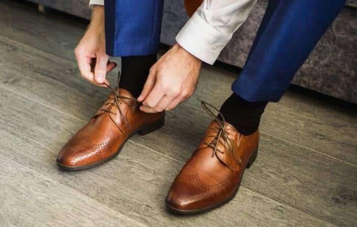 zapato de vestir adecuado
