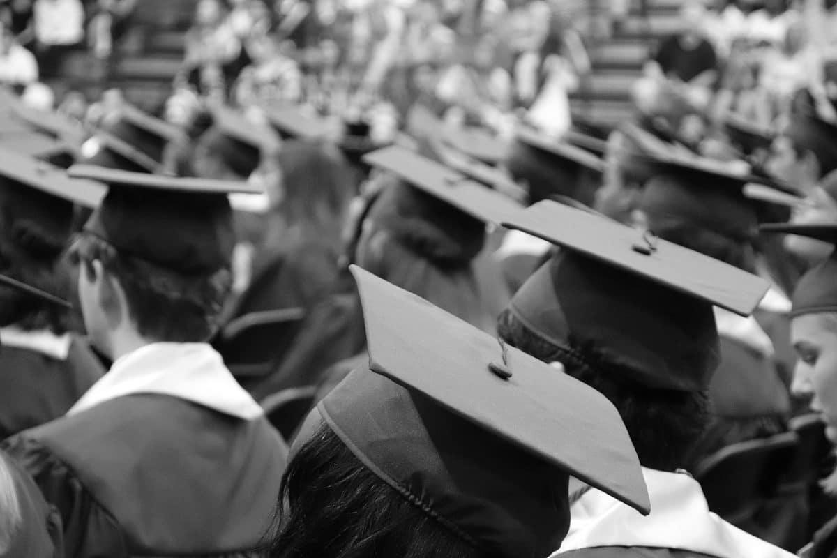 trajes de graduación