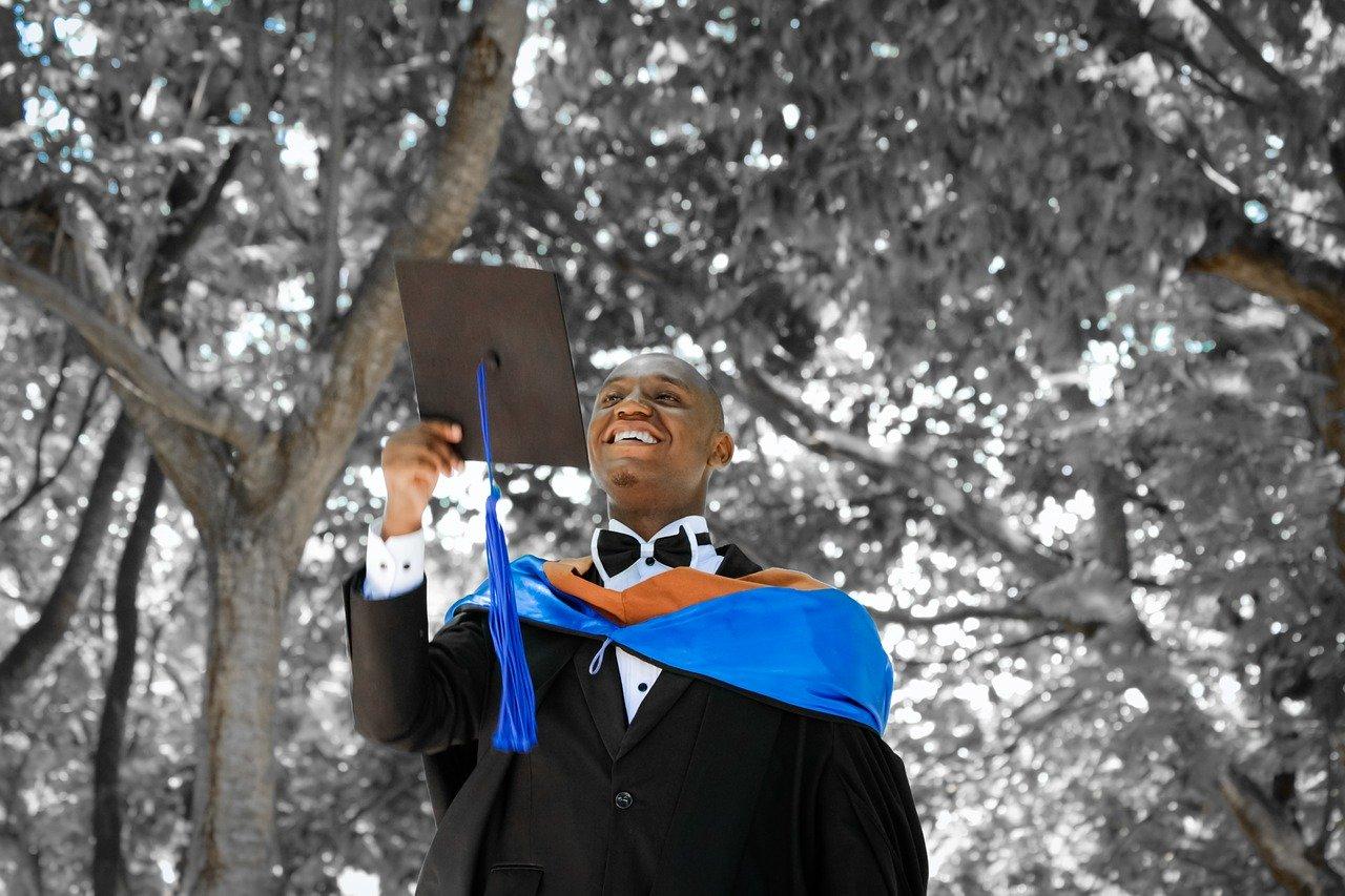 accesorios para trajes de graduación