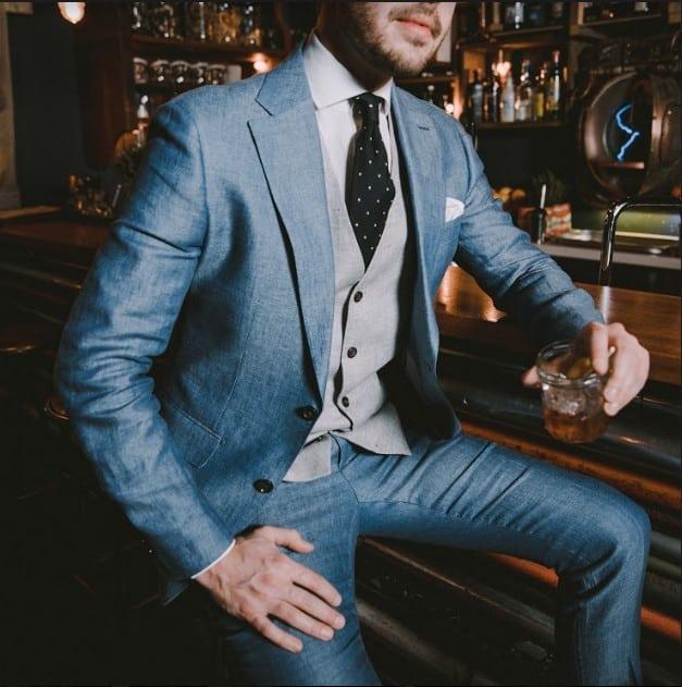 complementos para traje azul